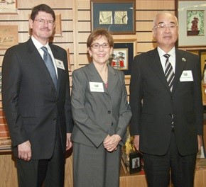 Handa Mayor Sumio Sakakibara meets former Mayor R. Drummond Black and present Mayor Maureen Donker