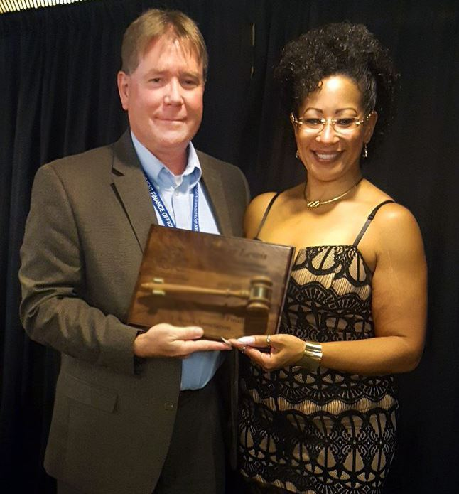 Dave Keenan with outgoing MGFOA president Tamar Lewis